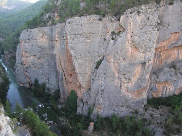La pared del estrecho, 100m de calidad, ambiente y belleza